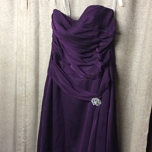 B2 Purple strapless gown size 20.